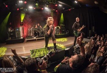 Butcher Babies - Photo by Marc